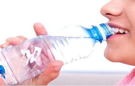 Beber água ajuda emagrecer